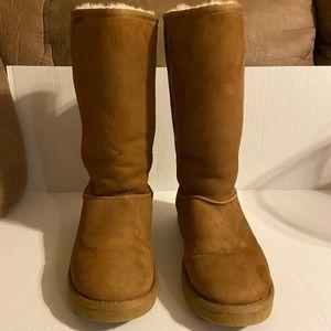 EUC Uggs Boots